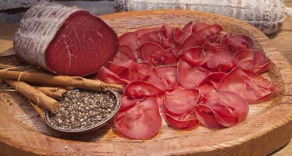 Canada and Uruguay remove ban on Italian bresaola