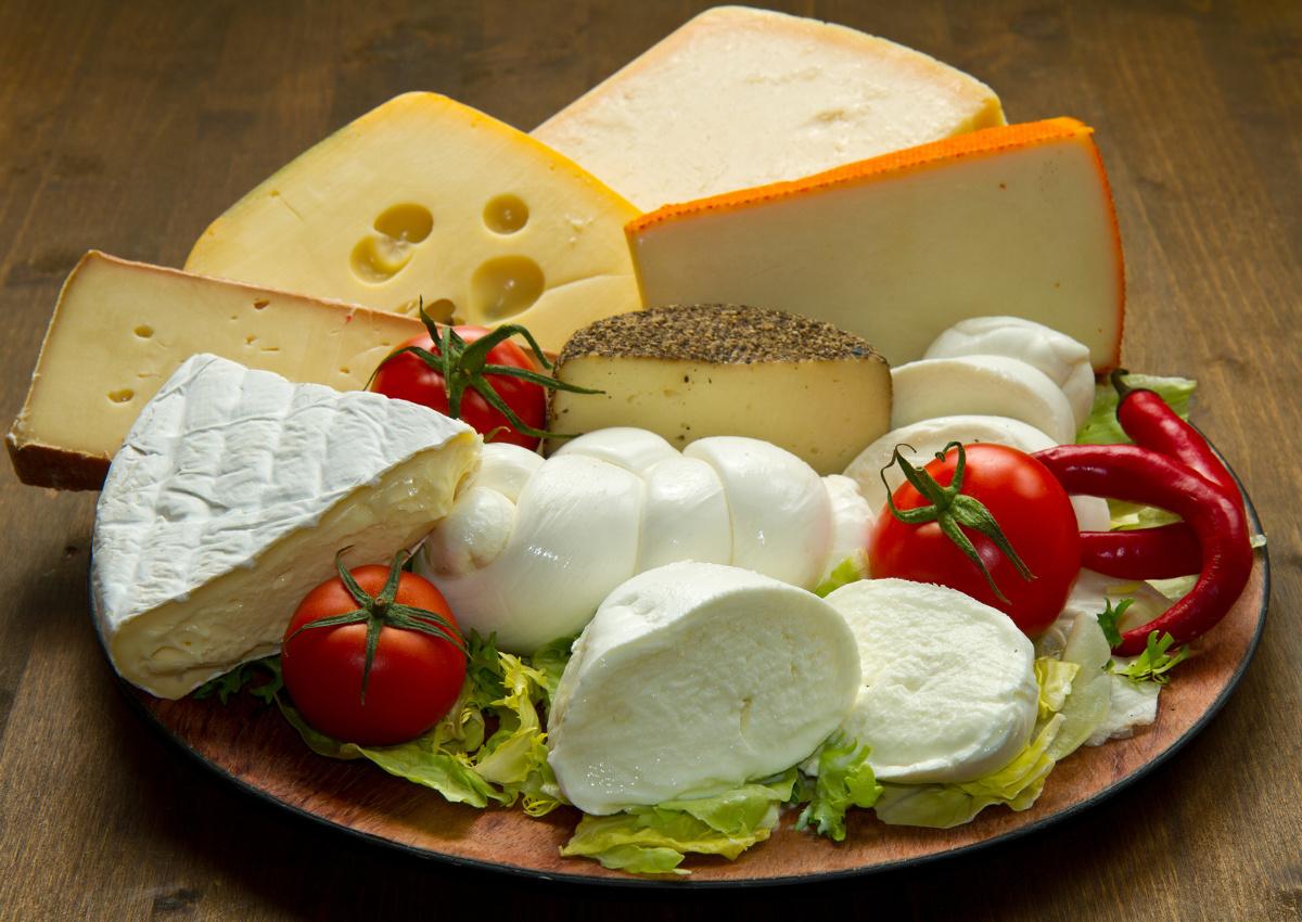 Italian cheese: 'betrayal' from Canada and Japan